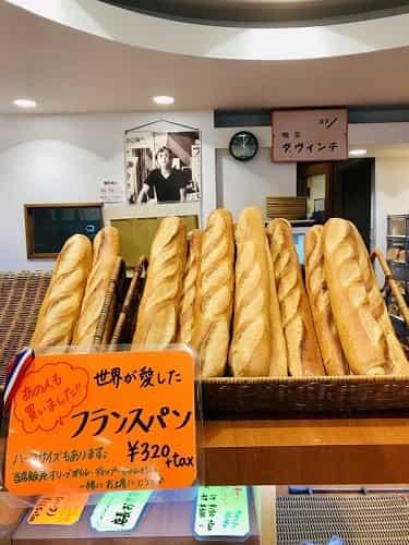 フランスベーカリーで 一番人気フランスパン