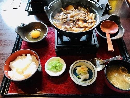おふくろの味芋煮鍋膳
