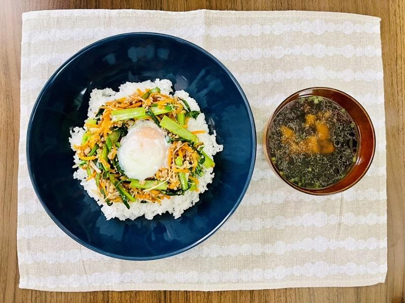 ビビンバとスープの完成